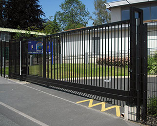 Electrically operated sliding gate near Dublin