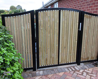 Unison Elite single leaf swing gate with shaped wing panels